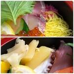 大松寿司 - ◆ご飯の上には「玉子焼き」や「桜でんぶ」が。 ◆数の子はお味付がされていませんので、醤油漬けだとより美味しいかも。