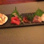 桑名蛤料理・蛤しゃぶしゃぶ 貝新 - 蛤、鮪、ひらまさ、鯛のお造り
