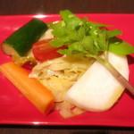 87584516 - 有機野菜のマリネ ハマボウフウ ミニトマト キャベツ 人参 胡瓜 大根 蕪
