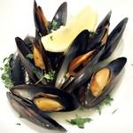 Scampi - ムール貝のワイン蒸し