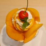 京橋千疋屋 - 国産マンゴーのヨーグルトパフェ