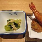 87597302 - 【ランチ】 大海老とマグロ頬肉フライ定食 \1000