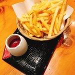地鶏炭火焼 鶏樹 - ポテトフライ
