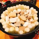 地鶏炭火焼 鶏樹 - フォアグラ鍋
