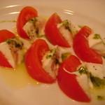 8760144 - トマトとモッツアレラチーズ