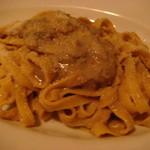8760145 - イタリア産ポルチーニ茸のソースのタリオリーニ