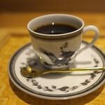 祇園 にし - 各自別々のカップでコーヒーを。私はエルメス。