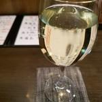 やきとり いちご - 白ワイン(冷えてない)