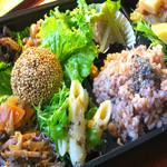 健康食工房 たかの - ドリンク写真:ヘルシーナチュラルランチに、自然食のお弁当