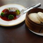 燕 東京茶楼 - 東坡肉