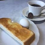 ラブリーふたわ - 料理写真:ホットコーヒー350円とモーニング