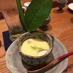 小柳寿司 - 料理写真:茶碗蒸し・・紫陽花の葉のあしらいで