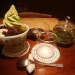 カフェソラーレ ツムギ - 抹茶クリームあんみつ、べっぴん茶リフレッシュ