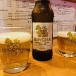 タイ屋台料理ヌードル&ライス TUKTUK - シンハービール