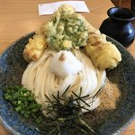 うどん処 ごえん - 料理写真:鯛のちくわ天ぶっかけうどん(冷)830円