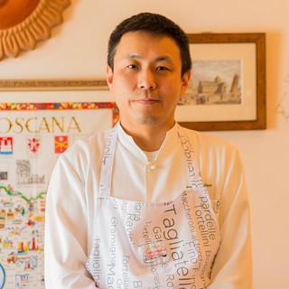 坪井卓哉氏(ツボイタクヤ)―繊細な技で作り上げる一皿