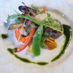 8762279 - 前菜 海鮮と夏野菜のサラダ