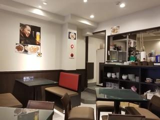 香港 贊記茶餐廳  吉祥寺店 - 店内
