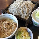 遊鶴 - 鶏すき丼セット 760円