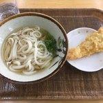 とば作 - 本日のお昼ごはんは鳴門でうどん! めっちゃ安かった 小麦粉の急騰でこの値段で出せるお店は香川県でもほとんどない