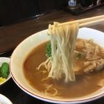 ふく利 - 細めのストレート麺