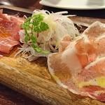 肉バル×イタリアン RIVIO - 生ハム2種盛合せ