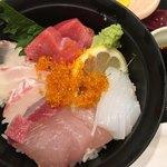 はかた天乃 - 海鮮丼は魚の種類が増えてお得