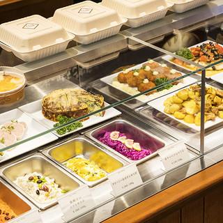 三笠会館の味をもっと気軽に!テイクアウトできるデリを併設。