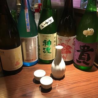 日本各地から、季節に合わせた日本酒をお取り寄せ