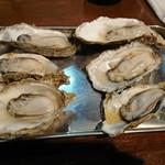 五坪 - 蒸し牡蠣は3つで1セット