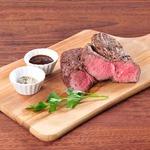 肉質最上級ランク「プライム」の希少部位「ミスジ」の豪快塊肉ステーキ ブラックペッパーソース
