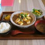 すまゆくい - 「麻婆島豆腐定食」です。