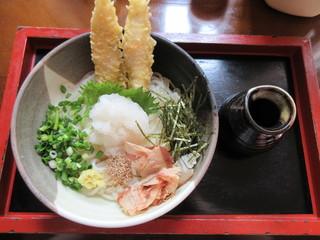 港屋 千兵衛 - ふぐ天ぶっかけ 990円(税別)