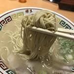 博多一幸舎 - 2018年6月10日  麺(バリカタ→カタでの提供)