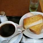 カフェ・カルディー - トーストモーニング、440円。