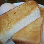 カフェ・カルディー - トーストとゆで玉子。