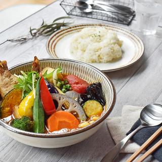 4種類から選べる旨味とコクが凝縮した超濃厚ブイヨン絶品スープ