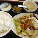 味道本色 - 豚バラとキャベツの四川風炒め(700円)