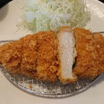 こだわりのとんかつ源三 - 三元豚のロースかつ(中)