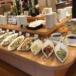 自然食ブッフェ姫蛍 - 新鮮野菜のサラダコーナー