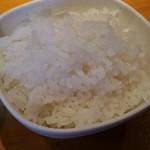 絶の味 - 小ライス50円。小鉢に入ってる…