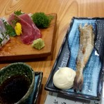 大衆酒蔵 日本海 - 刺身ハーフ・こまいの一夜干し