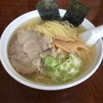 本格炭火焼き鳥 為五郎 - 地鶏塩らーめん(大盛り)
