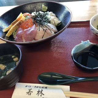 お食事処 若林 - 料理写真:海鮮丼1080¥