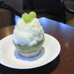 アルピーノ - 料理写真:生メロンミルクかき氷 750円