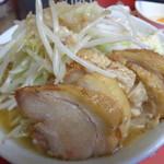 ラーメン二郎 - 小豚