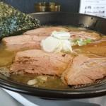 Adumaza - 鶏白湯チャーシューそば970円