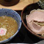 舎鈴 - 味玉つけ麺(並)