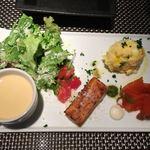 87686338 - 前菜プレート(冷たいコーンスープ、サラダ、スカモルツァチーズのオムレツ、卵とジャガイモのサラダ、サーモンマリネ)