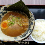 87689397 - 魚介しぼり醤油ハーフ_600円、小ライス_100円